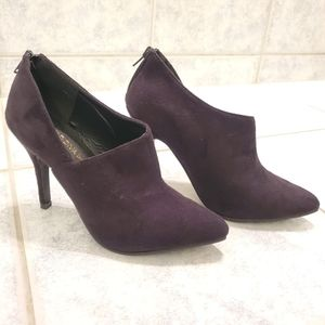 Women booties by Wild Diva size 6